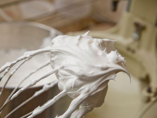 20130830-pavlova-meringue-2.jpg