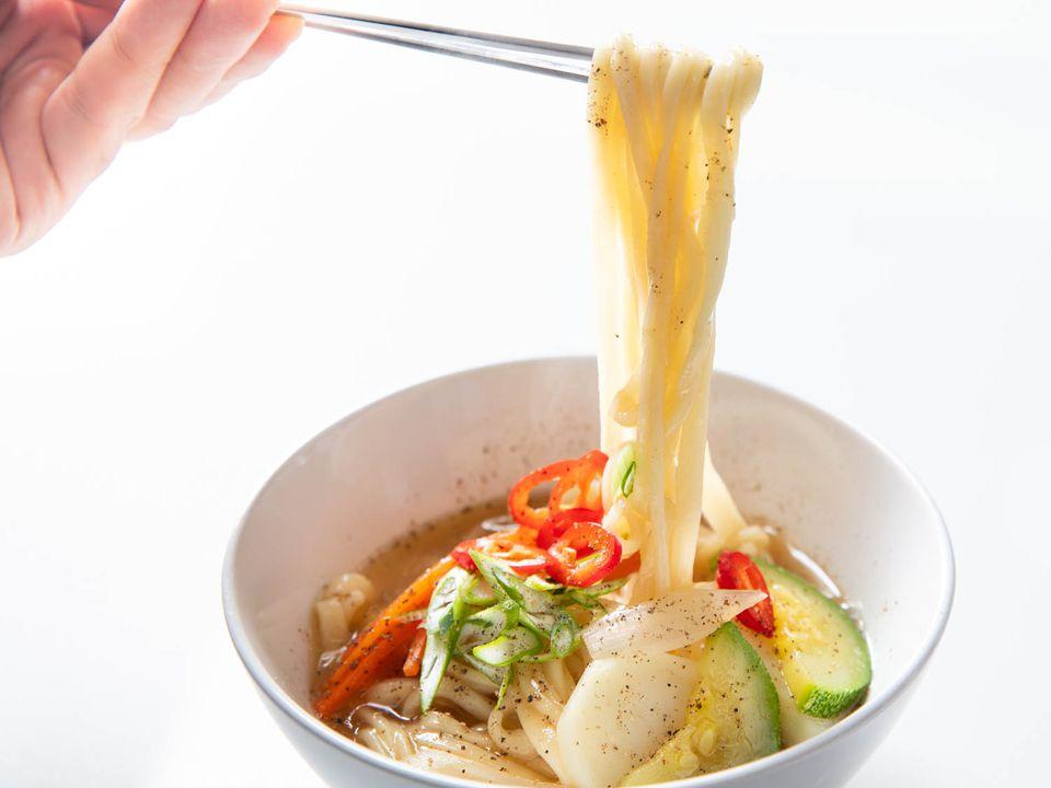 20200122-kal-guksu-anchovy-noodle-soup-vicky-wasik-5