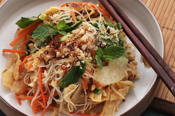 20150201-yuba-noodle-vietnamese-salad-14.jpg