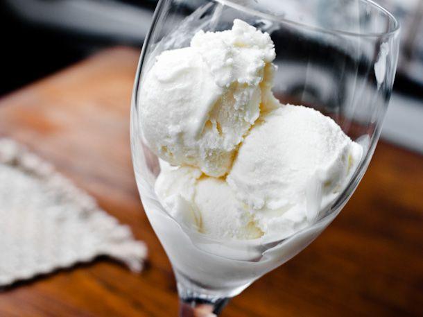 White Wine Frozen Yogurt