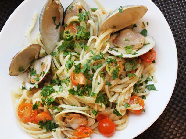 20130730-one-pot-wonders-clam-tomato-pasta.jpg