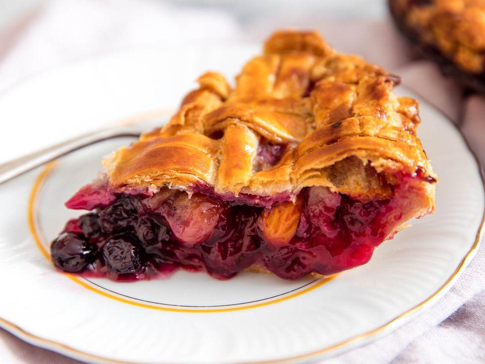 20160713-mixed-fruit-pie-vicky-wasik-14.jpg