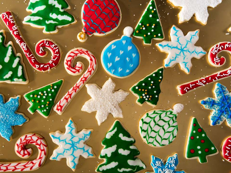 20161207-holiday-cookie-decorating-icing-sugar-cookies-vicky-wasik-1-4.jpg