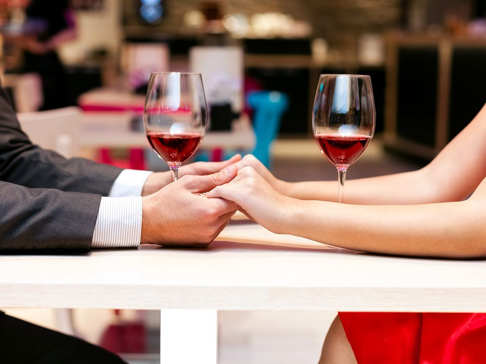 20150209-valentines-table-date-hands-shutterstock.jpg