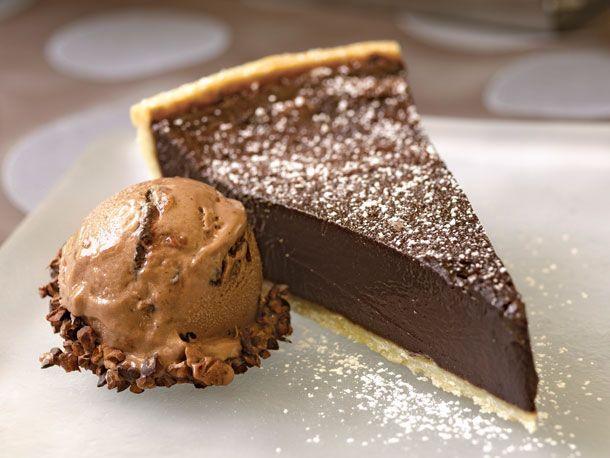 20120909-baking-out-loud-chocolate-bourbon-fudge-tart.jpg