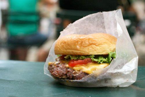 20080825-12burgers-shakeshack2.jpg