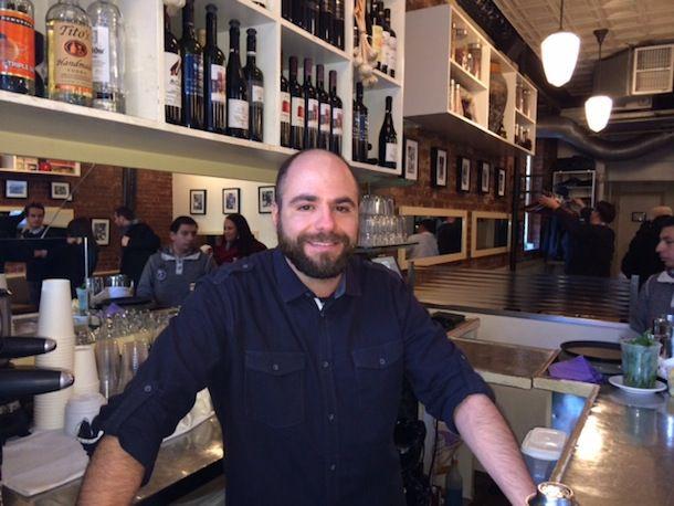 20131218-bartender-Kevin Thurston_Snack EOS.JPG