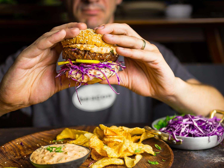 20170617-bulgogi-burger-matt-clifton-5.jpg