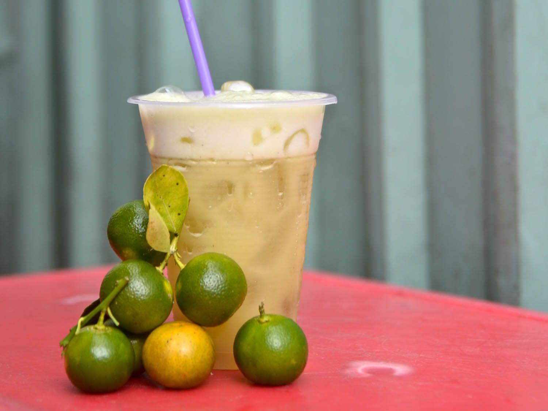 20140805-vietnam-drinks-sugar-cane-juice-barbara-adam.jpg