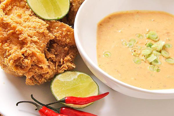 20120305-fried-chicken-sauces-easy-seven-minutes-or-less-4.jpg