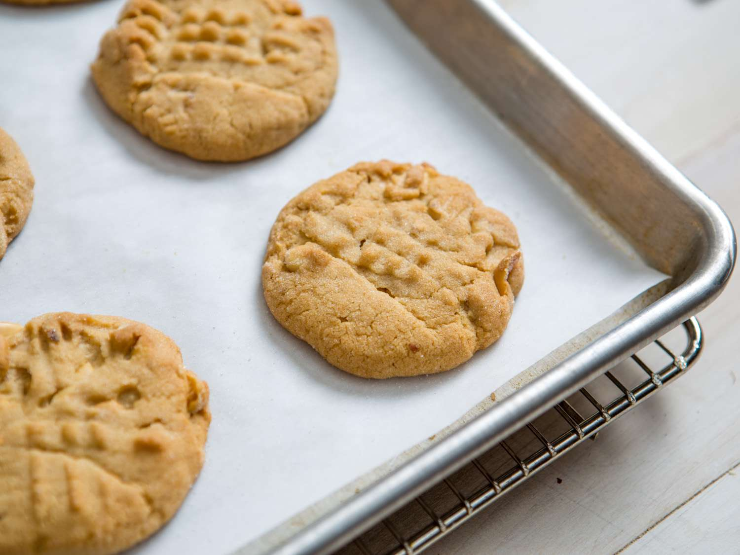 20151111-soft-crunchy-peanut-butter-cookies-vicky-wasik-005.jpg