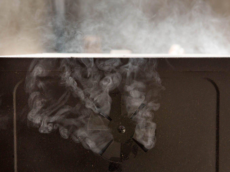 20140701-smoker-vicky-wasik-1.jpg
