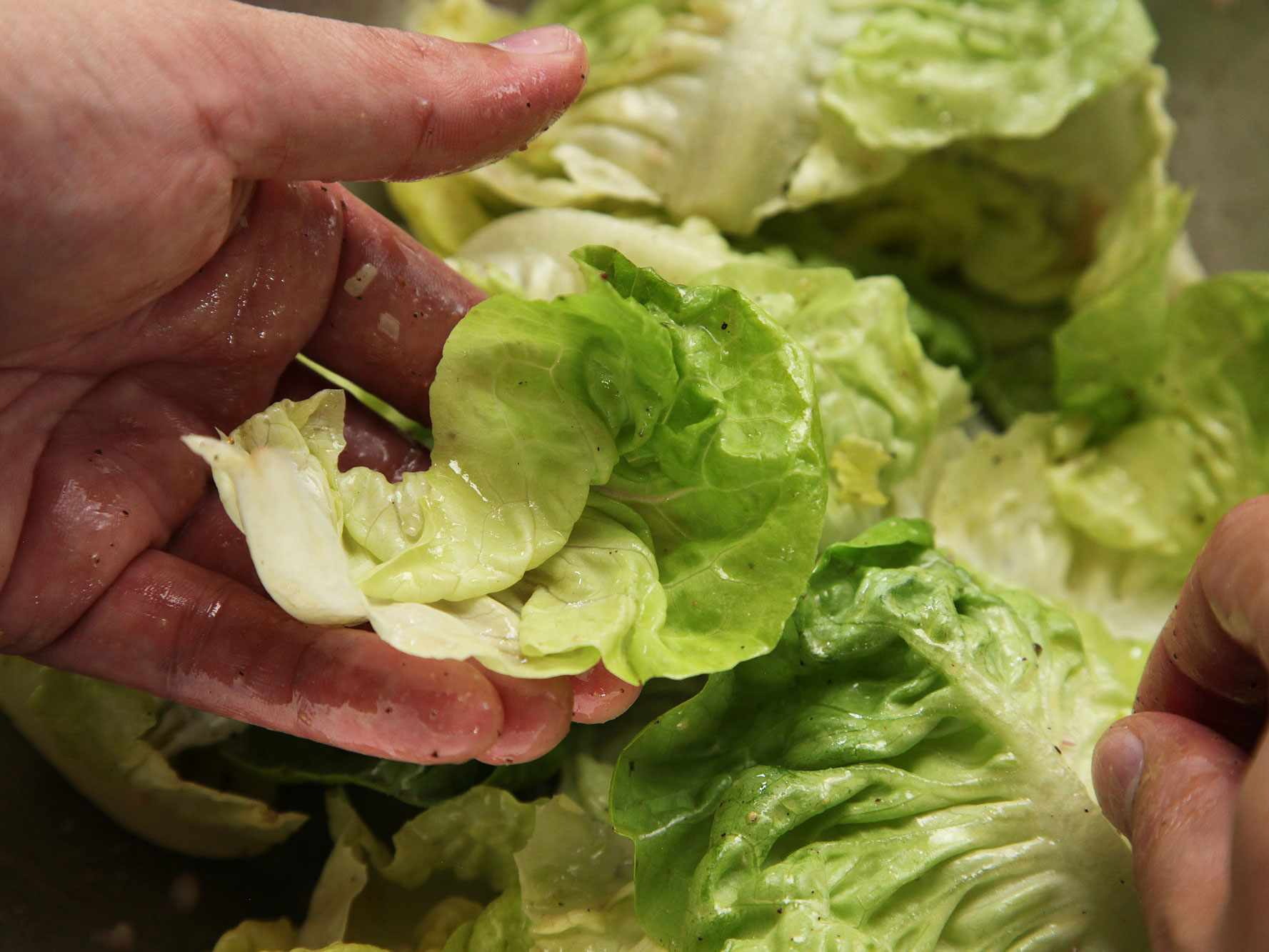 20140930-how-to-dress-a-salad-vinaigrette-16.jpg