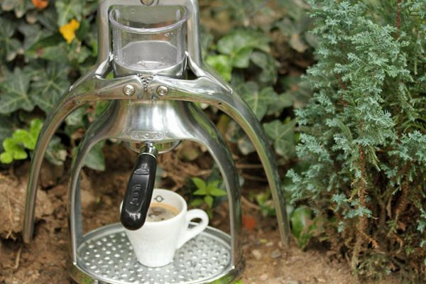 082113-coffee-rok-espresso-maker-1.jpg