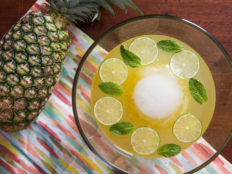 Isla Bonita Punch (Sparkling Pineapple-Rum Punch)