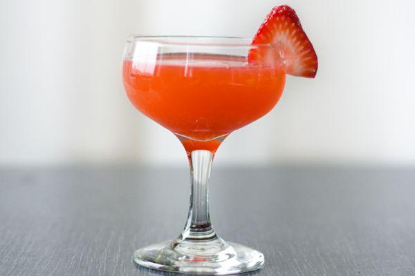 201203-203185-seasonalcocktails-strawberry-rhubarb-fields.jpg