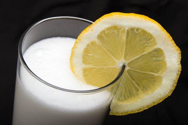 20150323-cocktails-robyn-lee-ramos-gin-fizz.jpg