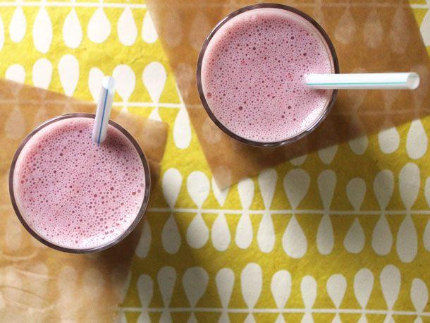 2013262-242420-strawberry-buttermilk-cremeyvette-shake-2.jpg