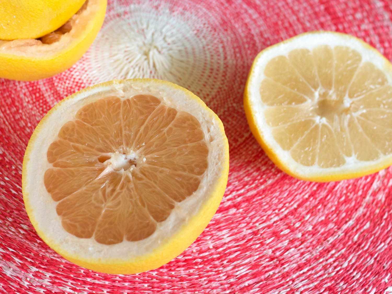 20150224-piscograpefruitcocktail-grapefruits-elana-lepkowski.jpg