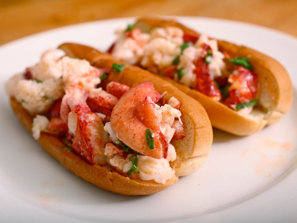 20110618-lobster-rolls-jkenjilopezalt-4.jpg