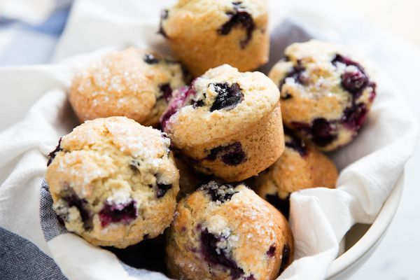 20160608-blueberry-muffins-vicky-wasik.jpg