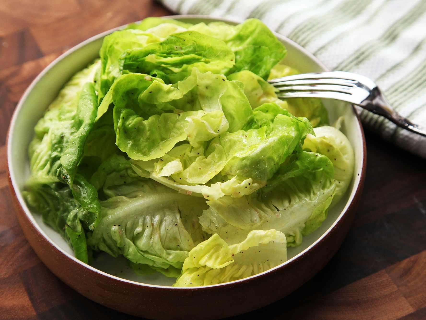 20140930-how-to-dress-a-salad-vinaigrette-17.jpg
