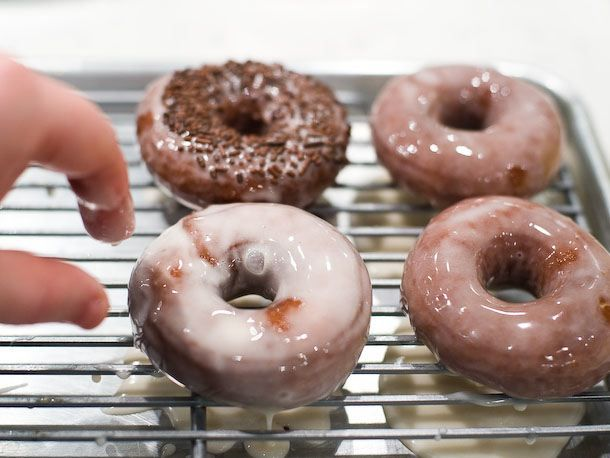 drying doughnuts after glaze