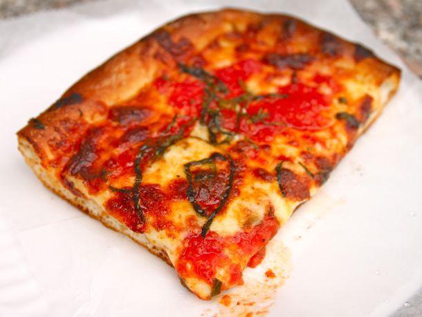 20110506-corner-slice-joes-bleecker-roma-zpizza-01.jpg