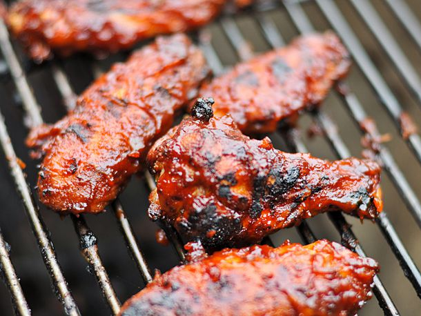 20110122-134060-hot-barbecue-wings.jpg