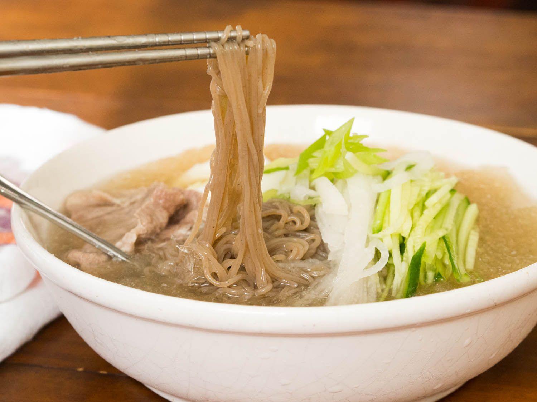 20140908-cold-korean-noodle-soup-daniel-gritzer-11.jpg