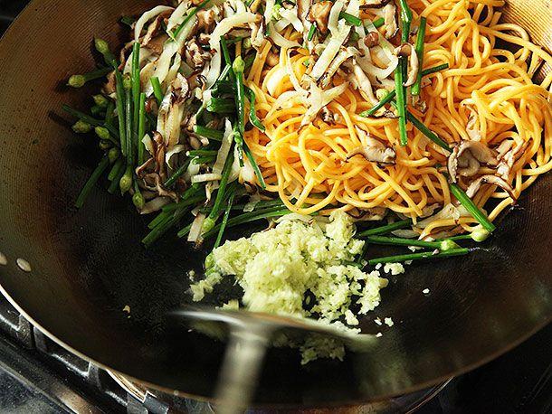 20140513-shiitake-chive-lo-mein-recipe-05.jpg