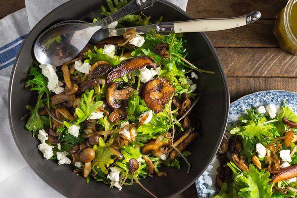 20161102-Kale-and-Wild-Mushroom-Salad-nerds-with-knives-3.jpg
