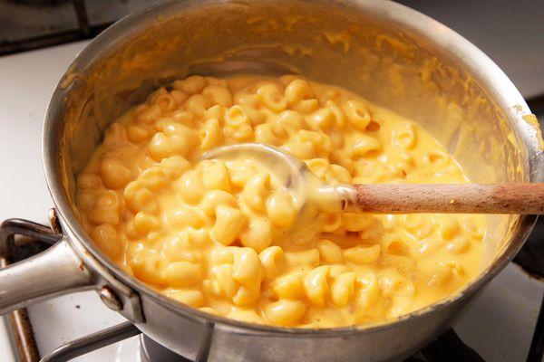 20151006-macaroni-and-cheese-stovetop-food-lab-18- kenji.jpg
