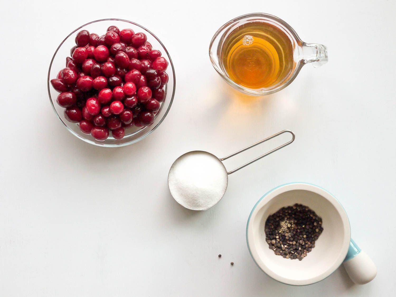 20150915-CranberryBlackPepperShrubCocktail-ingredients-ElanaLepkowski.jpg