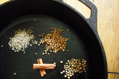 20091120-curries-castiron.jpg