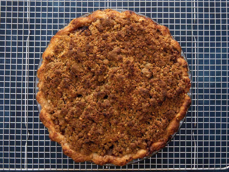20201031-sweet-potato-apple-pie-vicky-wasik-22