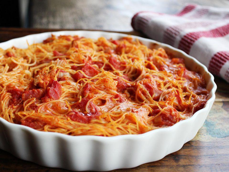 20140213-baked-spaghetti-chicken-pie.jpg