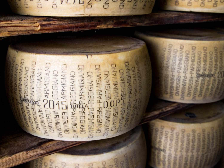 20160812-parmigiano-reggiano-niki-achitoff-gray2.jpg
