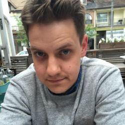a photo of Jesse Raub, a contributing writer at Serious Eats.