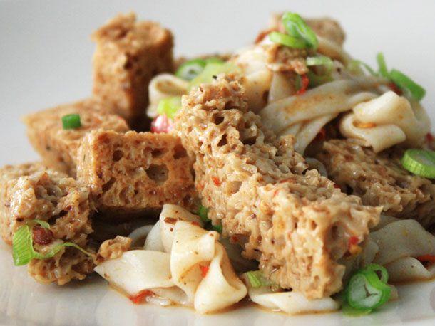 20110206-wheat-gluten-cold-noodles-primary.jpg