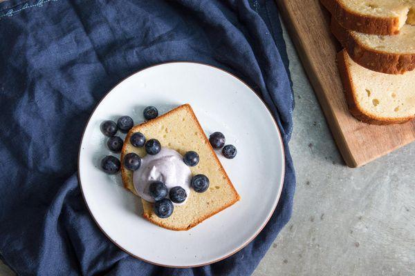 20170523-sour-cream-pound-cake-vicky-wasik-21.jpg