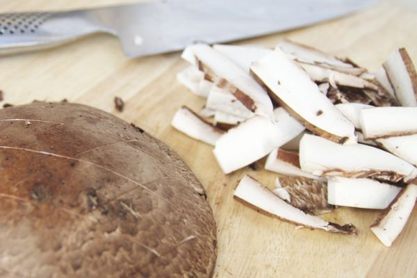 20110131-portabella-mushroom-primary.jpg