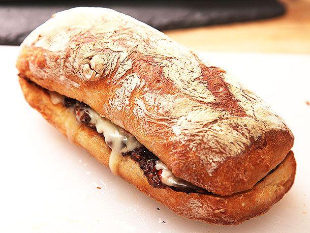 20131128-ox-tail-sandwich-07.jpg