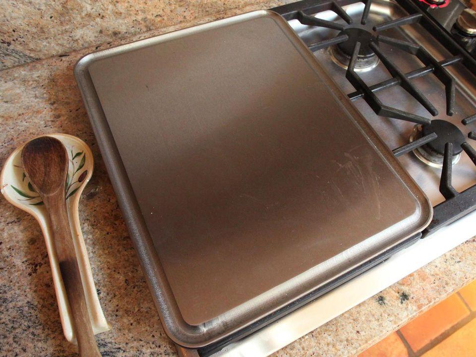 20150601-baking-steel-griddle-serious-eats-announcement-1.jpg