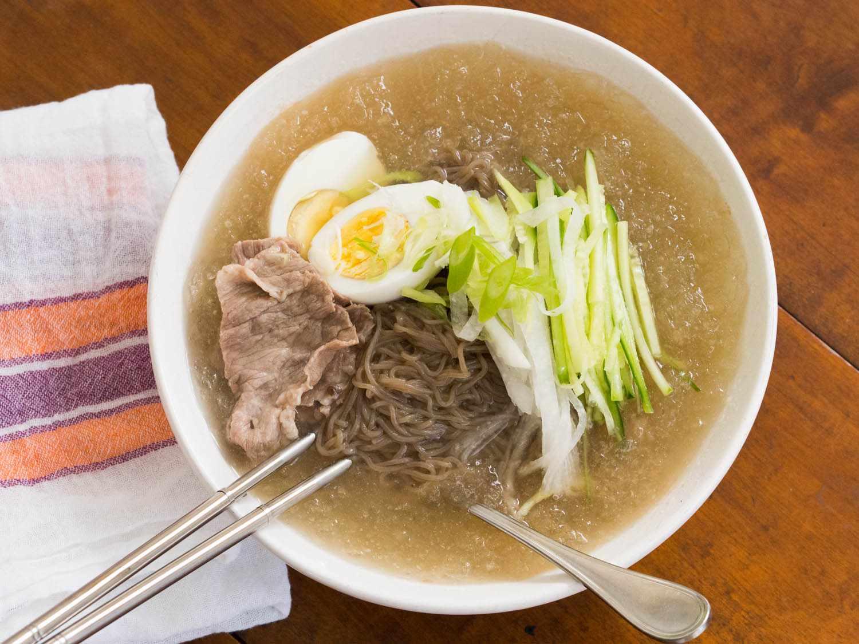 20140908-cold-korean-noodle-soup-daniel-gritzer-10.jpg