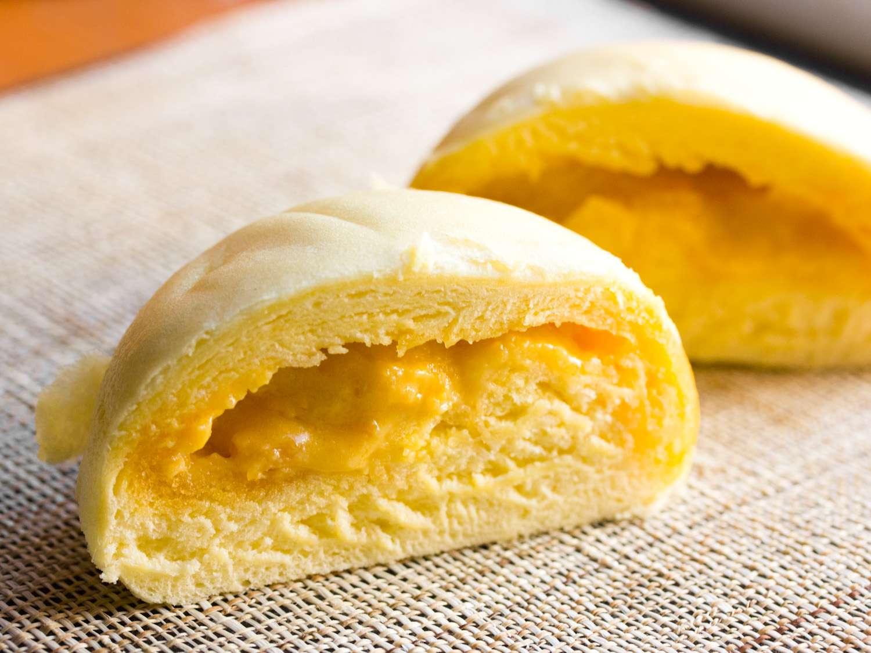 20141009-salted-egg-bun-max-falkowitz.jpg