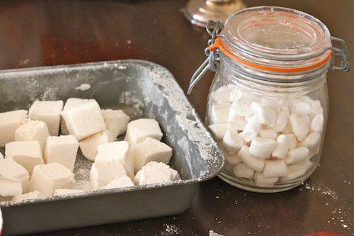 20101206-marshmallows-homemade.JPG