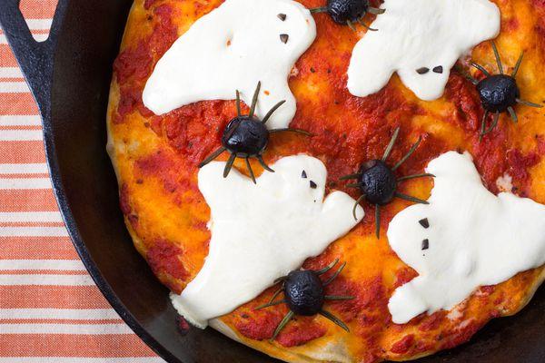 20141029-halloween-pizza-vicky-wasik-2.jpg