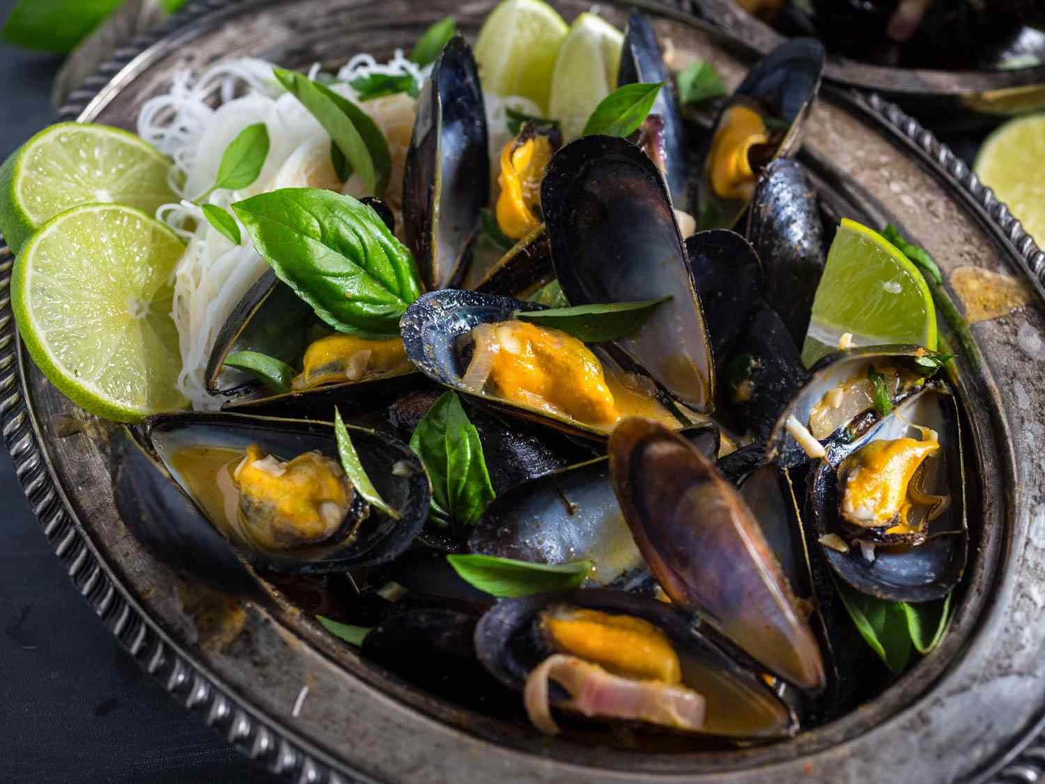 20160723-Mussels-Thai-Red-Curry-Broth-Rice-Noodles-emily-matt-clifton-15.jpg
