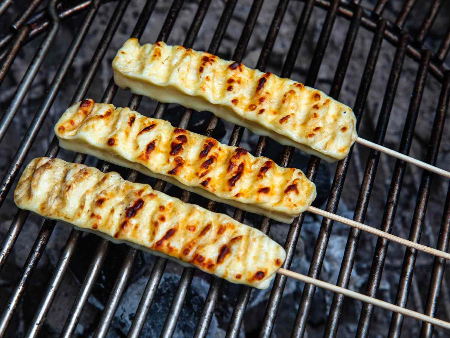 20190620-queijo-coalho-brazilian-grilled-cheese-skewers-vicky-wasik-4